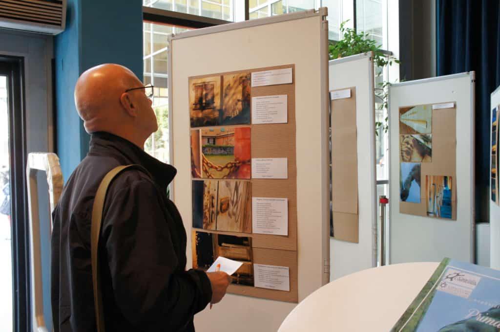 Vittorio Valentini in visita alla mostra.