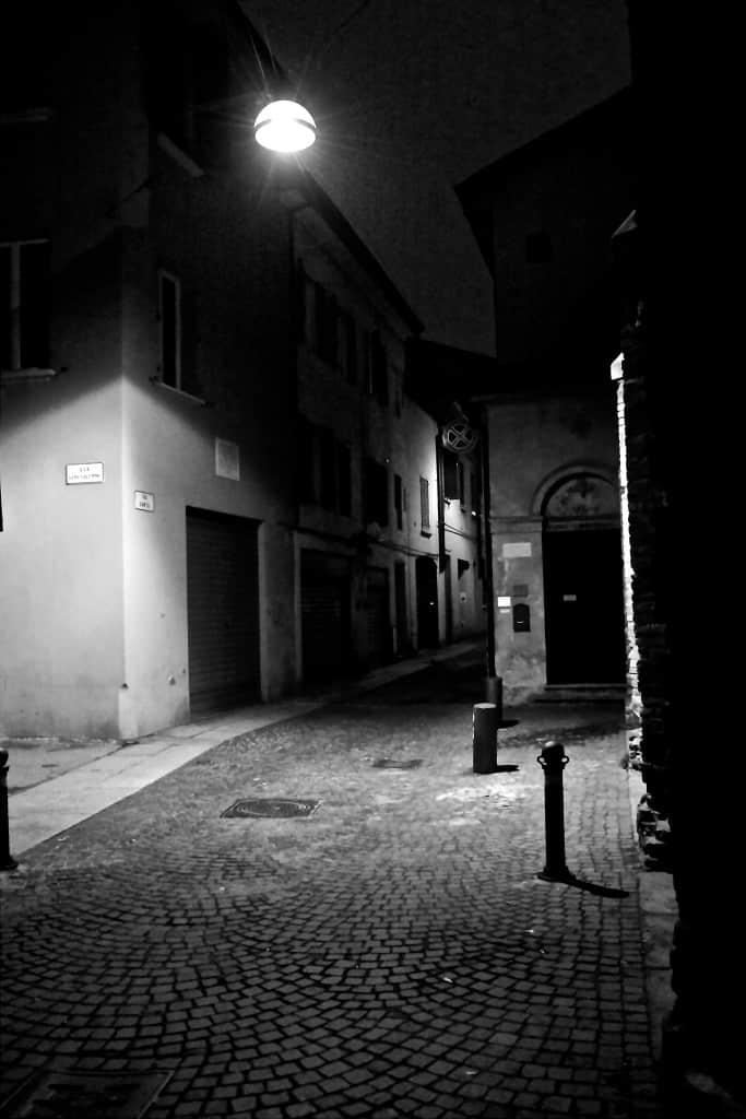 Via Santa, Bologna