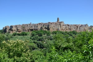 Citta' di Pitigliano (GR) costruita sul tufo.