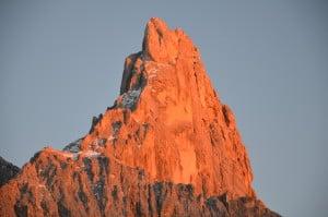 Tramonto sulle Pale di S.Martino. (Dolomiti) Tempo : 1/100 sec. Diaframma : F/5,6 Iso : 400 Distanza focale : 105 mm.