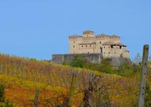 Veduta autunnale del Castello di Torrechiara (PR) Tempo: 1/320 sec. Diaframma: F/9 Iso: 100 Distanza focale: 105 mm.