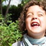 Leone, 4 anni. La spensieratezza, la gioia, l'entusiasmo, la vivacità e la spontaneità di quel momento in cui siamo bambini sono tutte racchiuse nel suo sorriso.