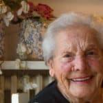Nonna Mariannina , 92 anni. Occhi che hanno fatto innamorare, che hanno rassicurato bambini, che hanno pianto perchè testimoni di una guerra atroce, sono oggi occhi stanchi che raccontano una storia insieme ai segni del tempo che gli fanno da cornice, a testimoniare una vita di fatic he, di lavoro nei campi e di sopravvivenza.